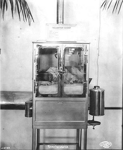 baby incubator circa 1900