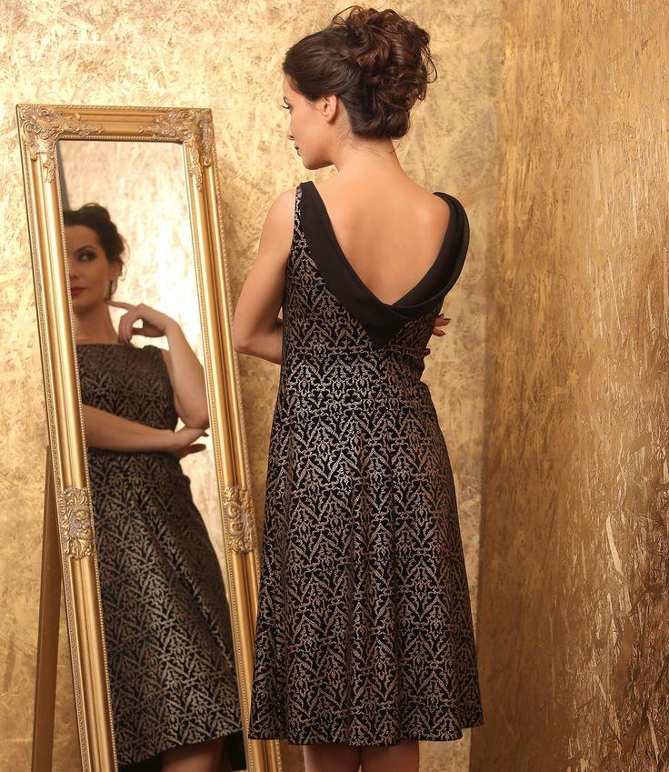 PASSION Elegant velvet dress #gold #black #velvet #evening #dress #style #fashion