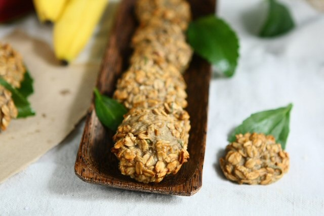 Banana Rolled Spelt Cookies with Fresh Stevia Leaves   # Pinterest++ for iPad #