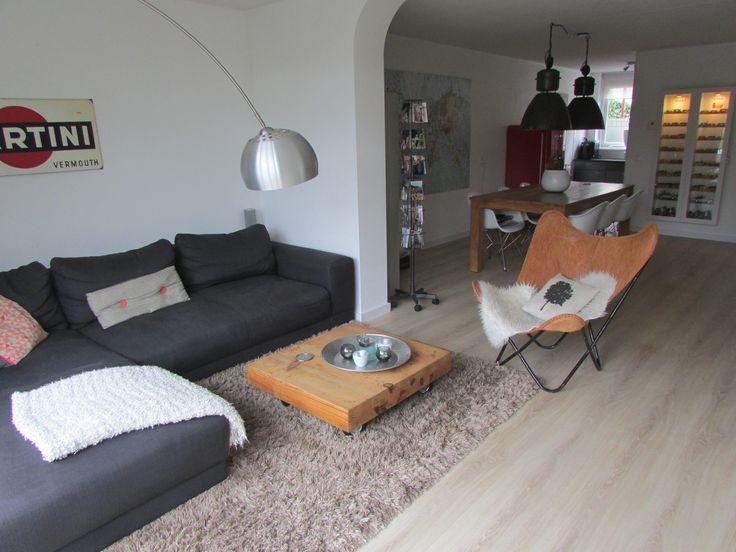 Ons huis bestaat voornamelijk uit spullen van marktplaats en is een mix van modern en vintage.