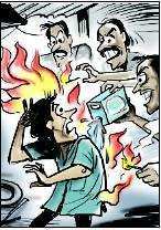Nel 2011 tre uomini di Mumbai hanno dato fuoco a un vicino: non voleva vendere il suo appartamento per un progetto di riqualificazione.