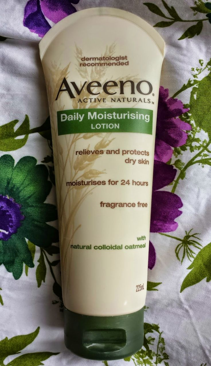 A little late on the #instaupdate but here is Friday's blog posting! -  #aveeno has been a long time fav of mine for many, many years! Such a fantastic range!  @aveenoactivenaturals @platinummcsydney #aveenoau #aveenolotion #aveenodailymoisturisinglotion #bbloggersau #bbloggers #instapix #beauty #beautyessentials #natural #oatmeal #skincare #bodylotion #beautyreview #blogger #br
