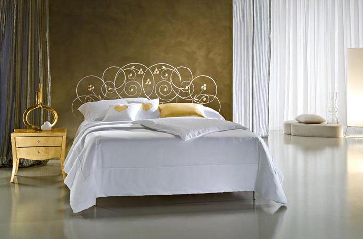 Dormitorios de diseño italinao MON AMOUR. Decoración Beltrán, tu tienda en internet de cabezales y camas de alta decoracion en forja.