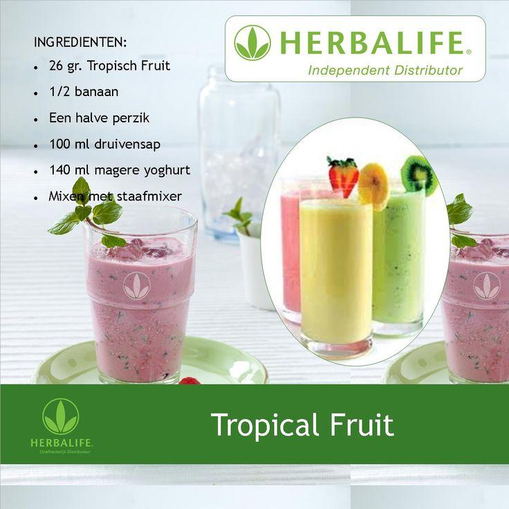 """Vandaag een heerlijk Herbalife shake met Formule 1 Tropisch Fruit gemixed in yoghurt met druivensap en vers fruit.  """"Like"""" als hij lekker lijkt!"""