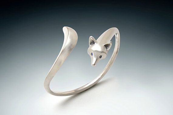 Finally! the matching bracelet for the fox ring and pendant. satin finished with one side of the tail polished and polished ears and nose.CHECK THE