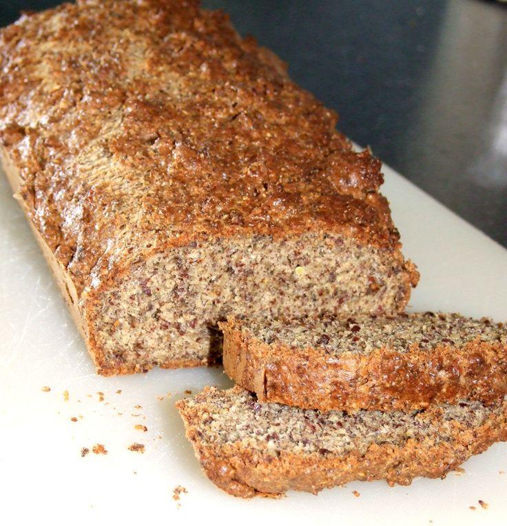 Kampanj! FiberHusk, 300 g Bästa frukostbrödet och så enkelt att göra!Recept på smarrigt LCHF bröd:4 st ägg2 dl creme fraiche3 dl linfrön0,5 dl pumpafrön0,5 dl solrosfrön2 tsk brödkryddor från santa maria2 tsk bakpulver0,5 dl fiberhusk Mixa ihop alla fröer, bakpulver, kryddor & fiberhusk i en mixer till ett mjöl.Blanda ihop mjölet med ägg och creme...