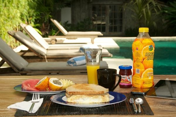 Breakfast in Adagian is always relaxing  #breakfast #villa #bali