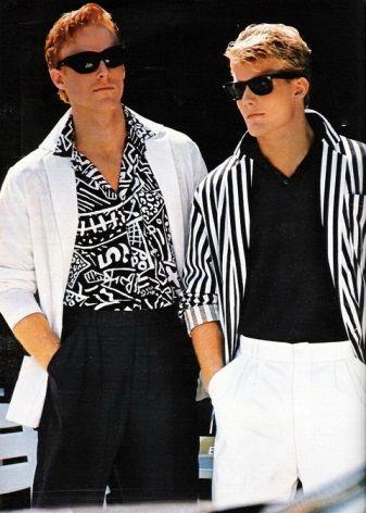 7399abd5 Одежда в стиле 90-х годов отличается бесшабашностью и минимализмом. Большое  влияние на моду 90-х привнесла группа из американского города Сиэтла