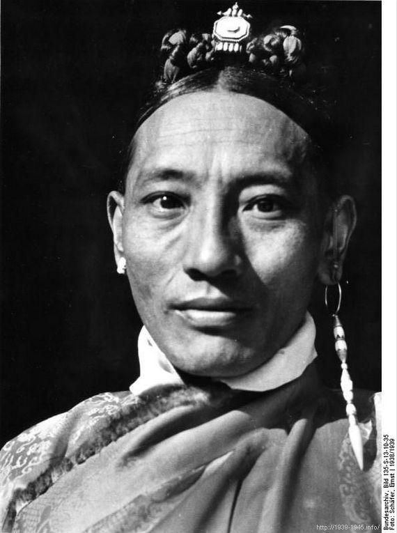 File:Bundesarchiv Bild 135-S-13-10-35, Tibetexpedition, Tibeter.jpg Title Tibetexpedition, Tibeter Original caption Lhasa Depicted place Tibetexpedition Date 1938