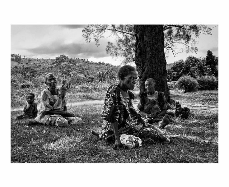Esperanza | South Wind Pictures Laberintos del Olvido: The Community Older's, Uganda 2013