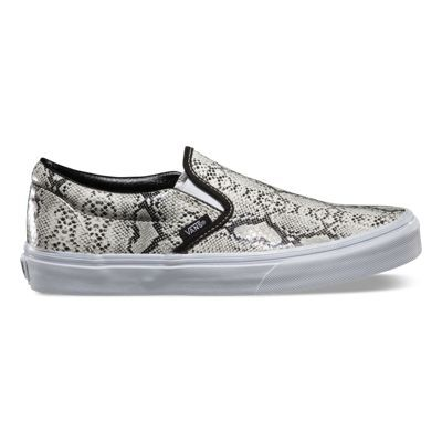 The Leather/Snake Classic Slip-on is a low profile, canvas slip-on with snake print, elastic side accents, Vans flag label and Vans Original Waffle Outsole.