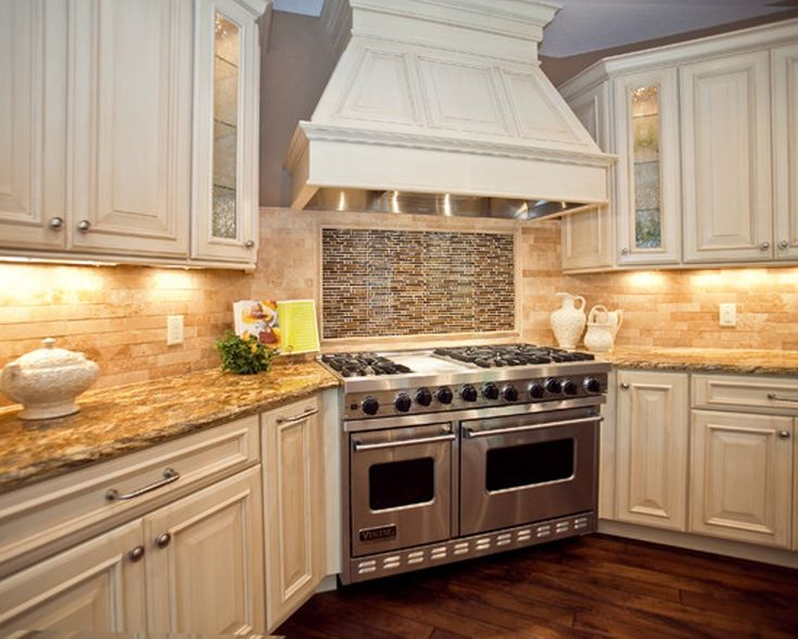 antique white kitchen cabinets like everything except not a fan of the backsplash behind the. Black Bedroom Furniture Sets. Home Design Ideas