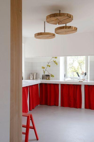 Rideau rouge pour donner un coup de fouet à la cuisine !!