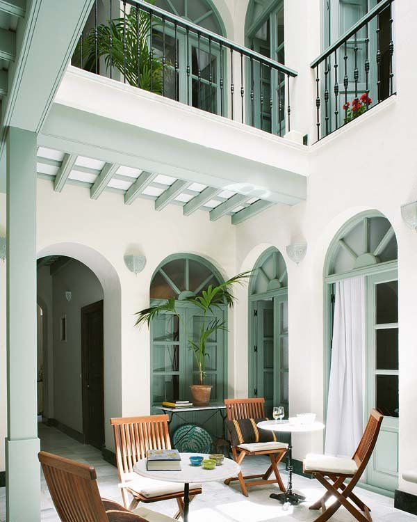 El patio central, típico de las antiguas casas andaluzas,