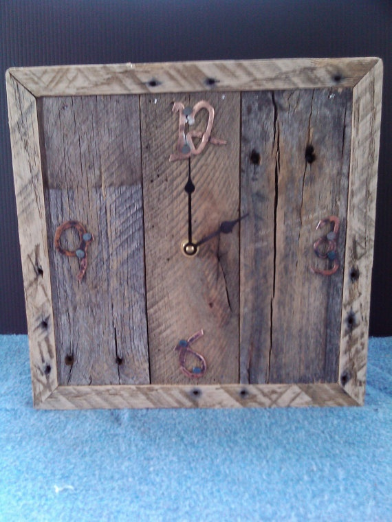 Rustic Pallet Wood Wall Clock