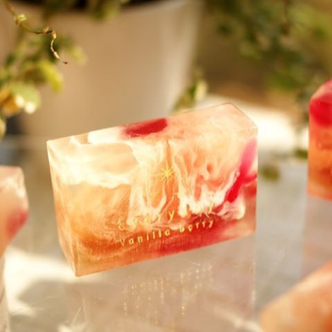 노을지는 듯 회려한 색상의 솝 입니다.  바닐라테이블 / 010-2916-6177 서울시 광진구 군자동 352-2 #바닐라베리 #vanillaberry #수제비누 #handmabesoap #비누 #soap #핸드메이드비누 #mpsoap
