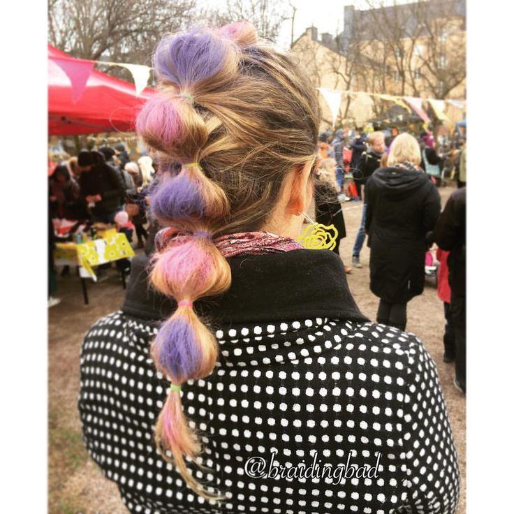 """104 tykkäystä, 8 kommenttia - Heli (@braidingbad) Instagramissa: """"Colorful bubbles for the Mayday Eve festivities 💜💗 ~ Vallilan vapputansseilla värilliset kuplat…"""""""