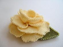 Beaded Edge Rose: Beautiful Beads, Beads Edge, Felt Rose, Beads Galor, Yellow Roses, Beads Rose, Felt Flowers, Beads Yellow, Edge Rose