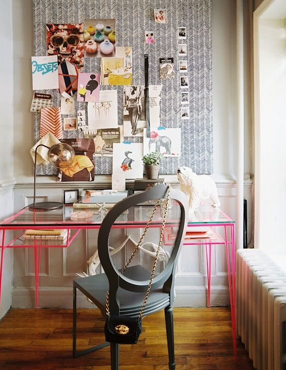 In our chaotic world smart cork board ideas can helps us organize our pantry, our office, our memories, they can inspire and share knowledge #Cork+Board