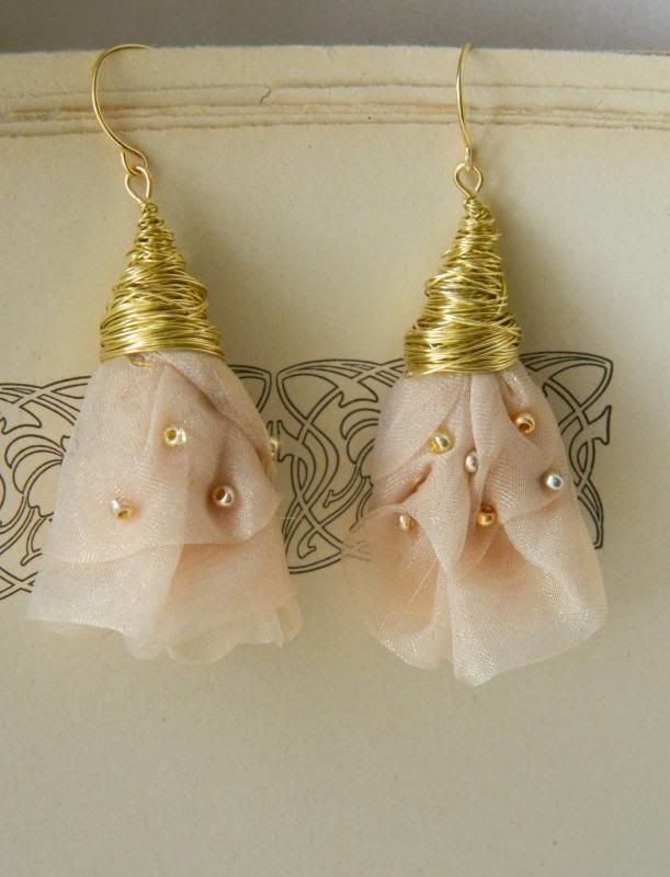 Country beyond the rainbow: The Secret Rose - earrings fabric - Fabric earrings