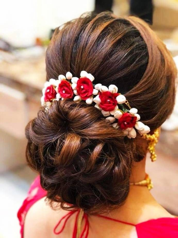 Simple Hair Buns For Sarees Lehengas To Style Up Your Looks Bridal Hair Buns Bridal Hairstyle Indian Wedding Simple Wedding Hairstyles