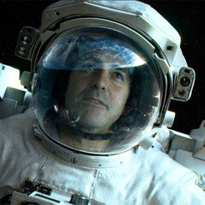 Gravity Trailer Preview Starring George Clooney and Sandra Bullock -- Alfonso Cuaron directs this sci-fi thriller about a medical engineer, who meets disaster on her first shuttle trip. -- http://wtch.it/Qtqsg