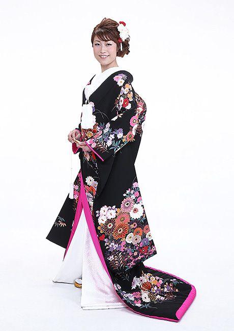 Love this Kimono for Pre-Wedding picture...