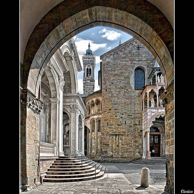 Basilica di Santa Maria Maggiore, Piazza Vecchia, Upper Town, Bergamo