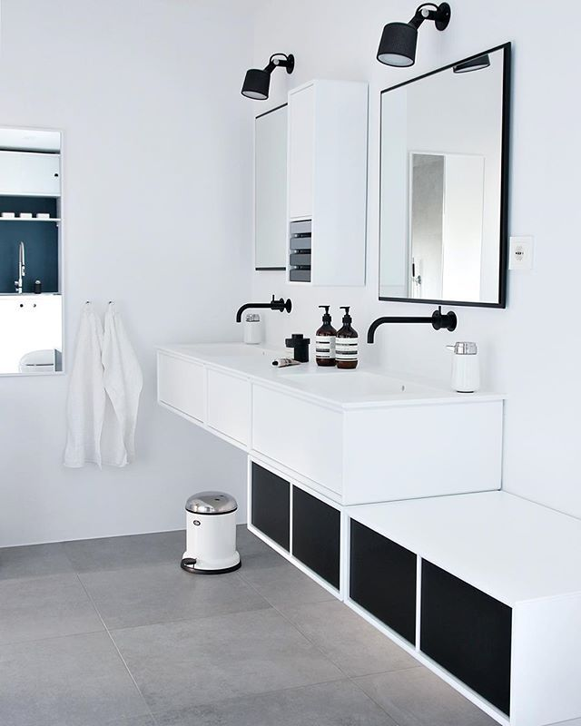 Cleaning day✨ #nordicleaveshouse #bathroom #montanafurniture #blackandwhite