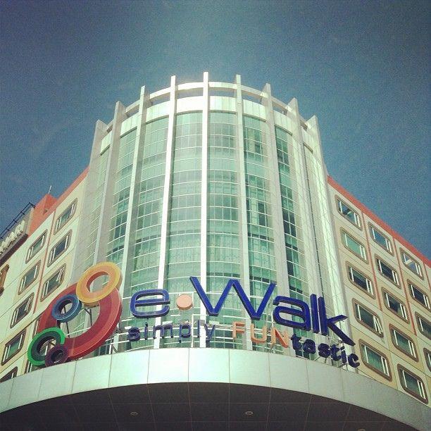 e-Walk #balikpapan #mall #urban #instagramers #instagram #instadaily #instapic #igers #instagramers #architecture @instabpn