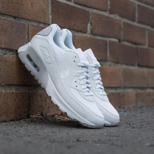 Nike W Air Max 90 Ultra Essential White/ White-Pure Platinum za  3 990 Kč