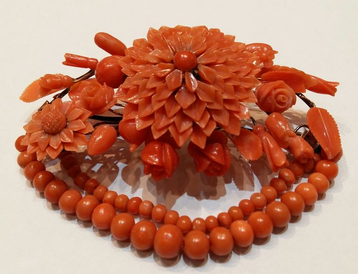 Italy XIX Century. Antique coral  flower brooch. Hand carving