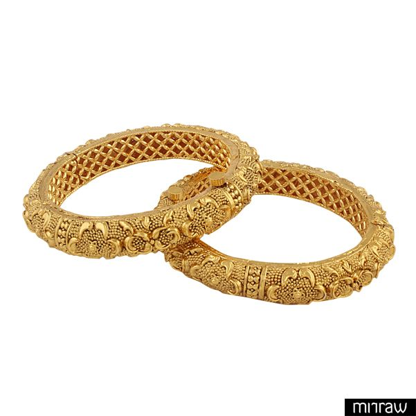 Gold plated antique bangles with a detailed intricate design,superb finish.Look alike of real gold kangan.