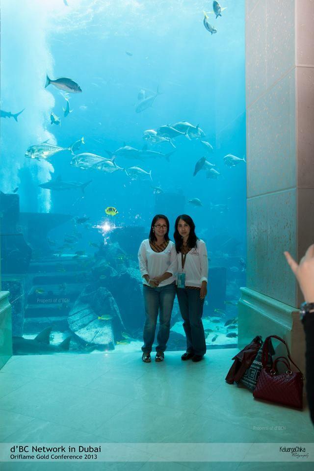 Kalo ikan yg di aquarium ini gak bisa dibakar ya kakak Tresna ? #dBCNinDubai #OriflameGC2013 — at Atlantis Palm Jumeirah Dubai.