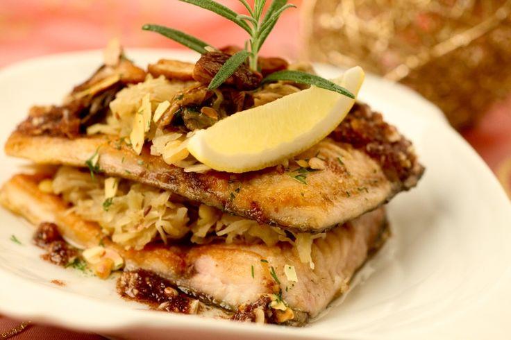 Nie masz pomysłu, jak urozmaicić wigilijne menu? Newsweek poleca 12 przepisów na świąteczne potrawy wybranych specjalnie dla nas przez 12 znanych kucharzy.