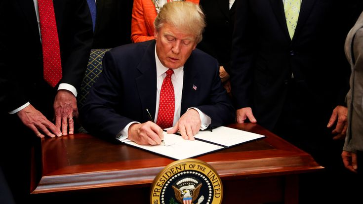 Trump changes travel ban expiration date ahead of high court decision