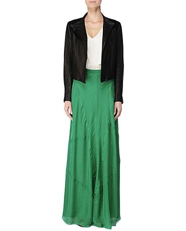 Love a good high waisted skirt
