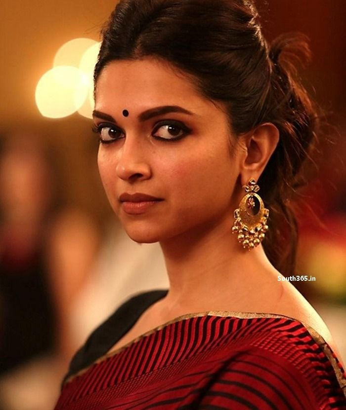 http://hindi365.in/pics/2015/03/Deepika-Padukone-in-Piku-Hindi-Movie-Pictures.jpg