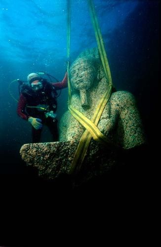 Heraklion - city ​​1200 years ago, who went under the water