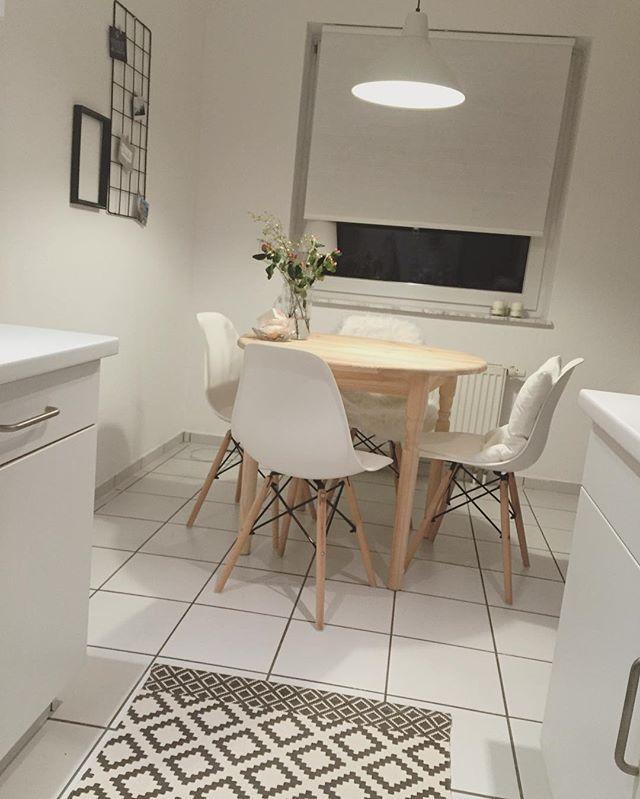 DAY 15 ➖ kitchen. Die Küche mal aus einer anderen Perspektive ✌🏻️ Habt einen feinen Dienstag Abend 🙌🏻 #instagraminteriorchallenge #day15 #kitchen #interiordesign #homekitchen #home #homedetails #hmhome #hjem #kjöken #scandihome #deco #instahome #decoration