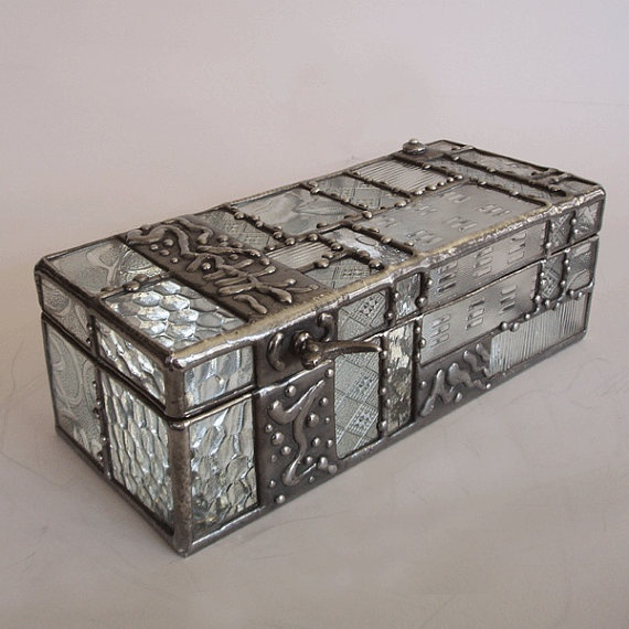 Best 25 Glass jewelry box ideas on Pinterest Glass jewellery
