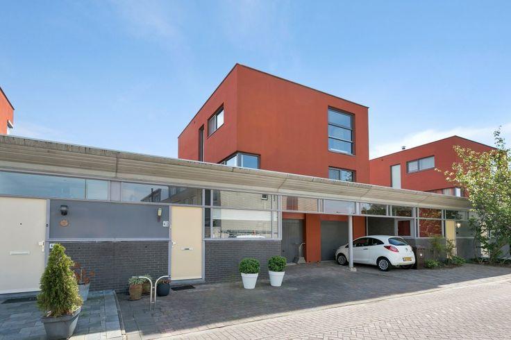 Marezatendreef 42 in Alphen aan den Rijn. €375.000,- k.k.