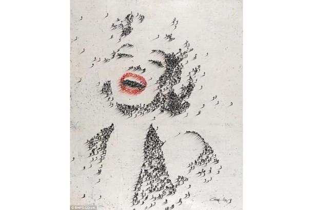 """""""人の手によって""""というよりは、""""人の体によって""""作られたアートです。このマリリン・モンローをはじめとする肖像画は、アトランタを..."""