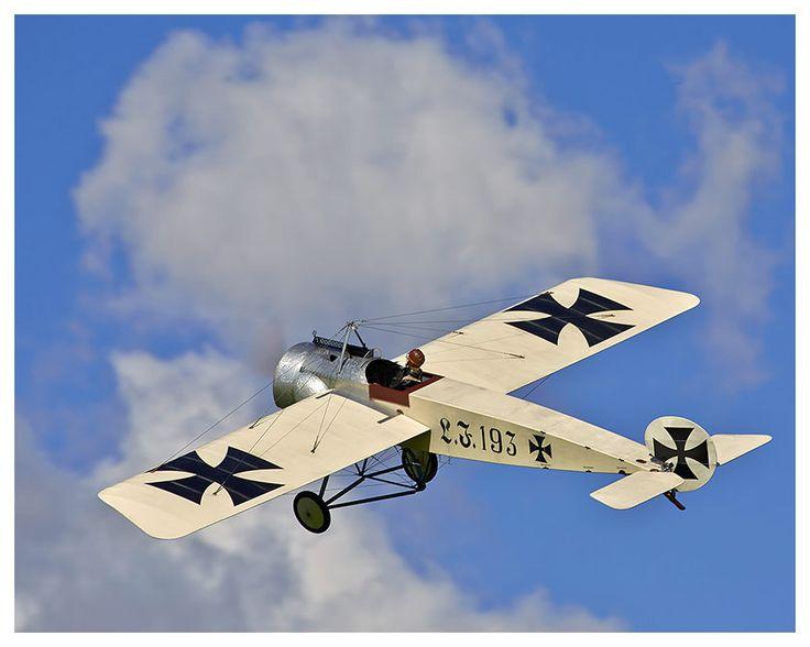 Paolo Severin Bausatz Fokker E.1  Bitte klicken Sie auf die Deutsche Flagge um zu den Internetseiten zu gelangen -   please click on the Union Jack to visit our English web pages.