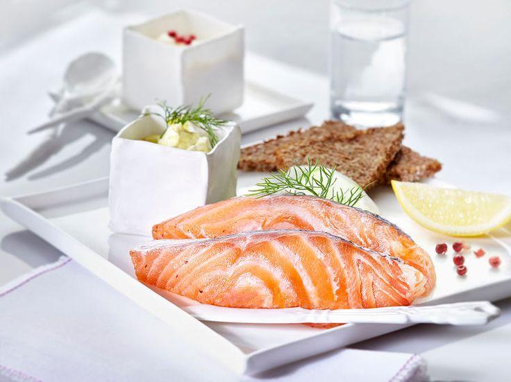 Facile à faire et très saine, cette recette va impressionner vos invités. A vous le saumon gravlax digne d'un chef !