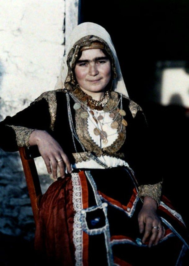 """Woman posing in traditional costume.  Crete,""""Archives of the Planet"""" Albert Kahn"""