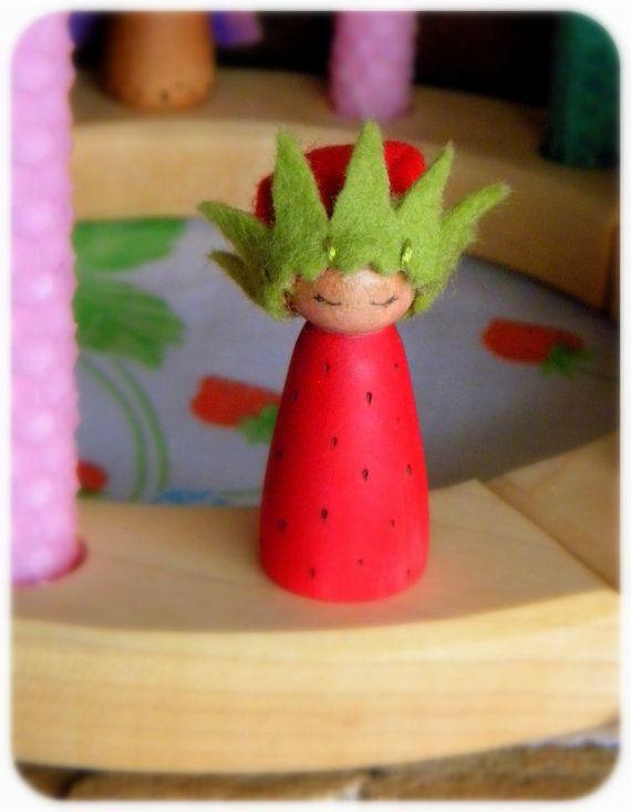 Strawberry Princess Birthday Ring Decor, Strawberry Small Wooden Peg Doll, strawberry crown, Girl Birthday, green, red, wood burned