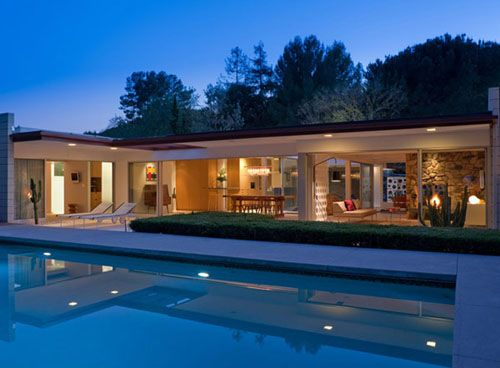 Fickett House by Edward H. Fickett - this reminds me so much of the Kauffman House and the Rose Seidler House, bringing back the eclectic late 40's early 50's style.