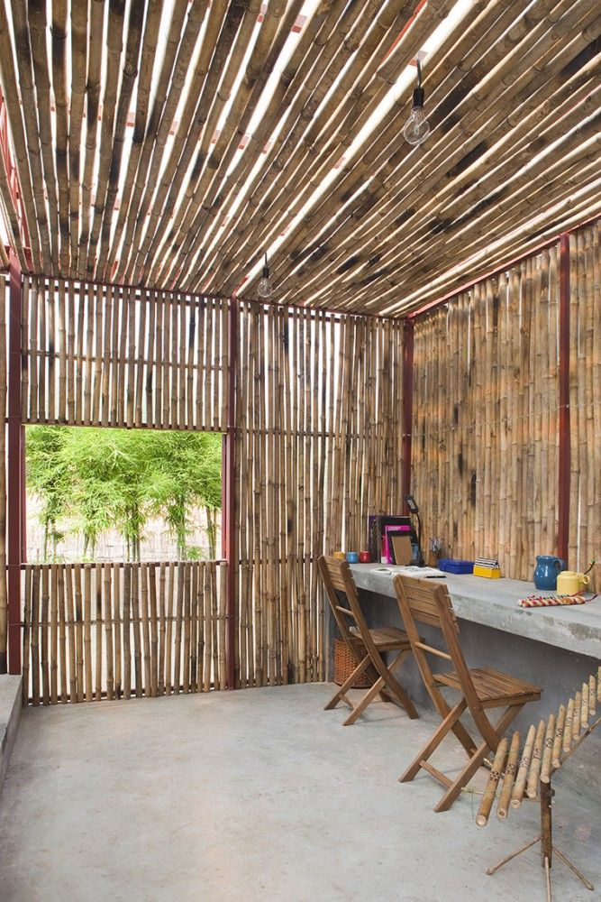 Dinding rumah dari bambu