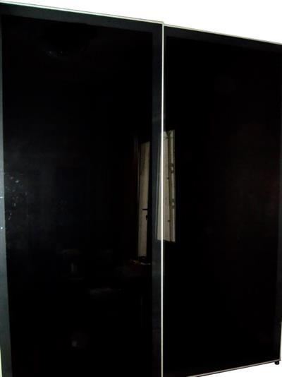 ikea pax/ilseng cam sürgü kapaklı gardırop, venge <br/>Taşınma sebebiyle satılık, çok kullanışlı ve büyük bir dolap
